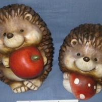 hedgehog holding with apple&mushroom 2asst.
